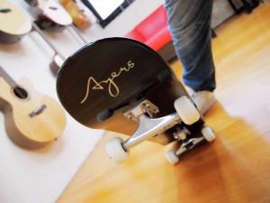 Ayers guitar X滑板男孩 抽限量唯一滑板